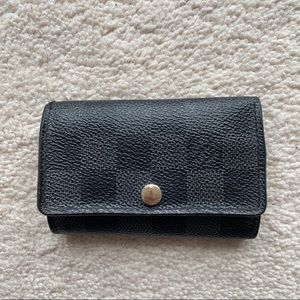 Louis Vuitton 6Key Holder - Damier Graphite Canvas